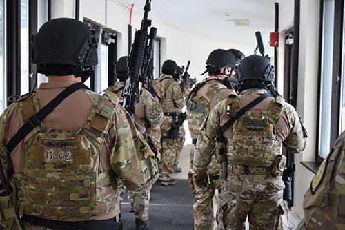 special response team in training